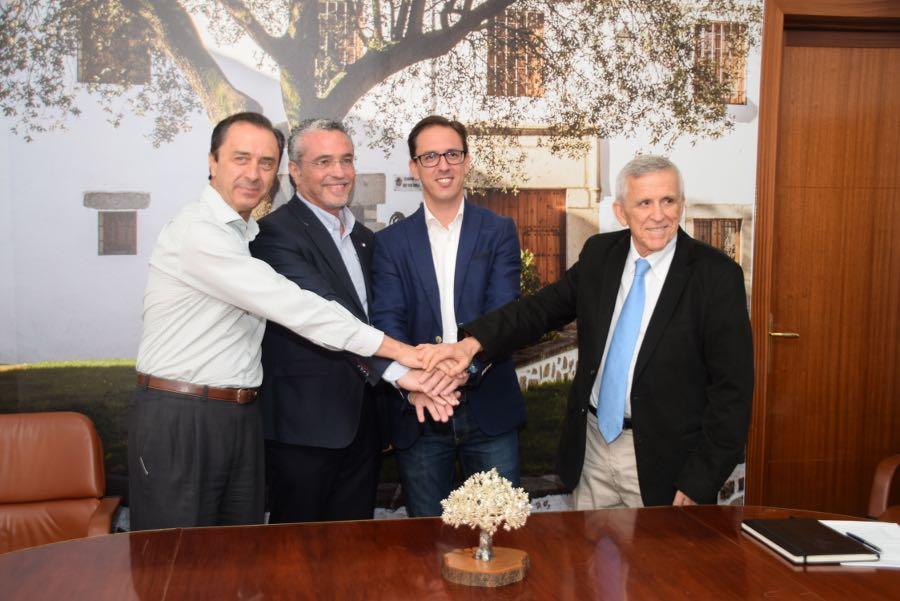 COVAP, PRODE y el Ayuntamiento de Pozoblanco renuevan el convenio de El Dehesafío | COVAP