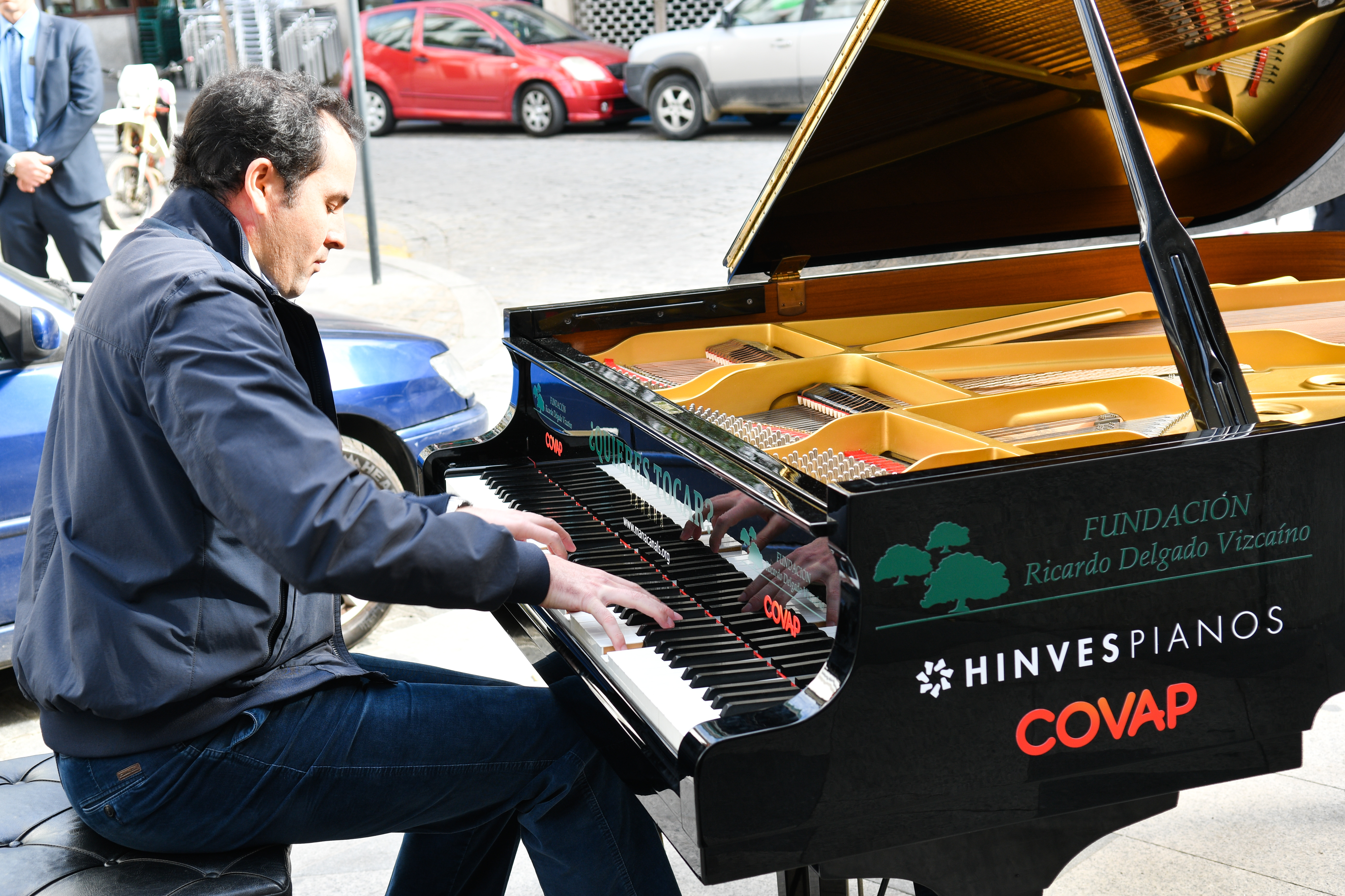 Pianos en la calle | Fundación Ricardo Delgado Vizcaino
